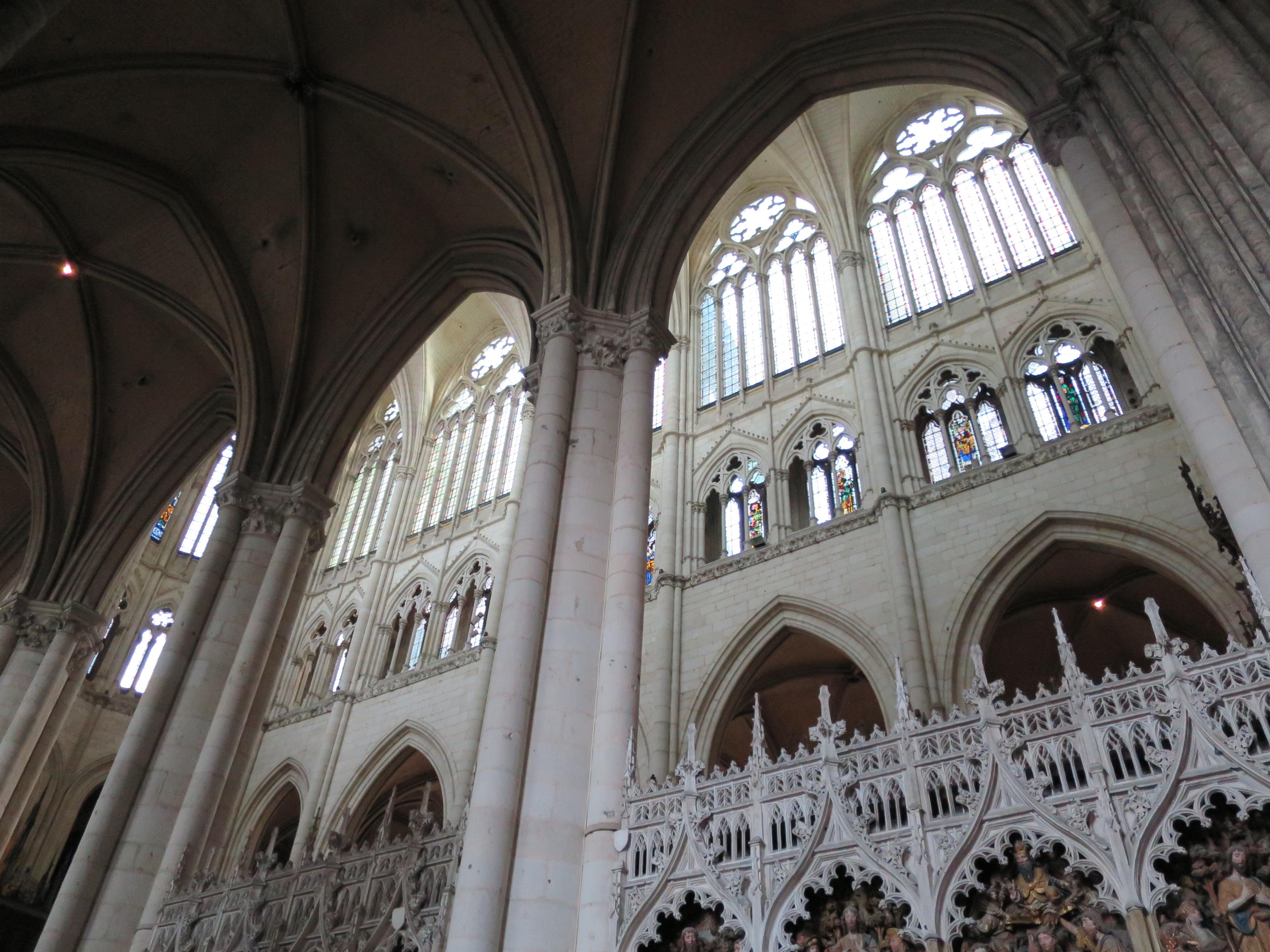cathédrale amiens illuminée