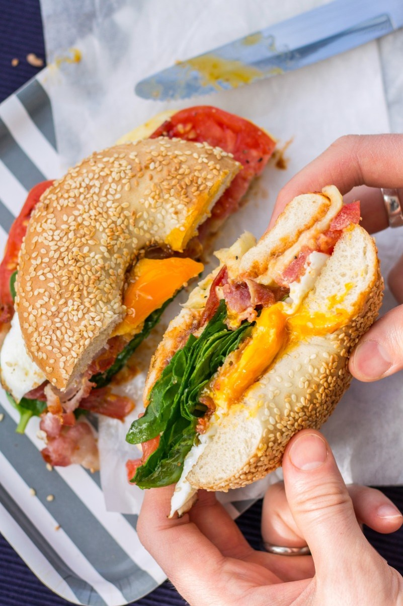 egg bacon breakfast bagel