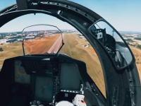 戦闘機パイロットが強いGに耐えながら操縦しているのが良く分かるはぁはぁ動画。