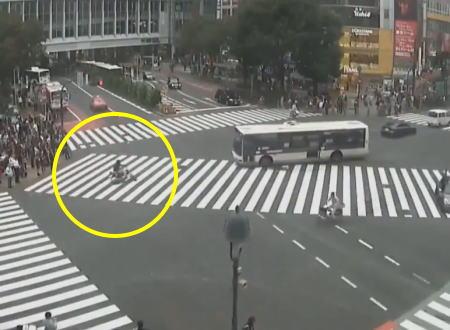 ライブカメラにばっちり映っていた渋谷スクランブル交差点事故の映像。