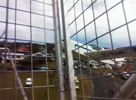 【続報】観覧車に飛行機が衝突する瞬間の映像がはじめて公開される。オーストラリア。