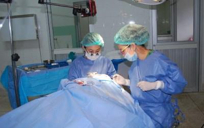 Le port du masque entraîne-t-il une augmentation du risque d'infection postopératoire après une chirurgie des paupières?
