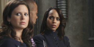 """Scandal"" star Kerry Washington, right, with Katie Lowes and Columbus Short in this season's second episode, ""Guess Who's Coming to Dinner."""