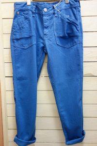 パンツ カフェッティツイルカーゴ(M) ブルー ¥4900+税(SALE) オールシーズン履ける人気の形です。