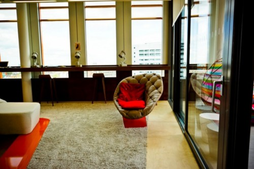 70s-style-Google-office-in-London-019-500x333