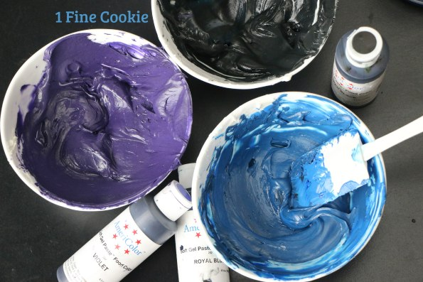 star wars galaxy cupcakes, star wars, galaxy, cupcakes, outer space, galactic, starry, planets, shimmery, easy, decorate, recipe, how to, sparkle, glitter, glittery, solar system, planets, stars, easy, video, tutorial, cake, dessert, may 4, may the fourth be with you, fans, ideas,