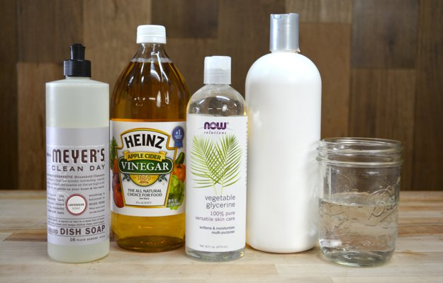 Homemade Dog Shampoo | 31 Homemade Home Products You Need to Make Now