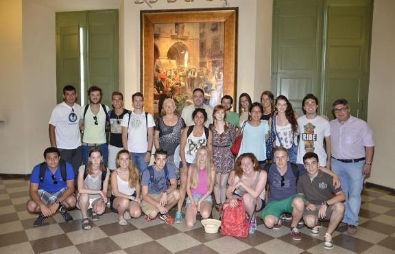 Valentí Junyent i Mercè Rosich, amb els membres del Rotary E-Club. Foto AjM