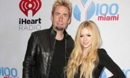 Avril Lavigne drejt divorcit