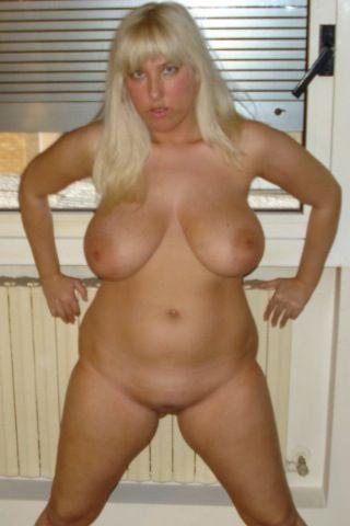pear shape curvy hips