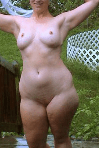thick hips nude