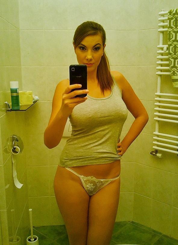 too tight t shirt no bra
