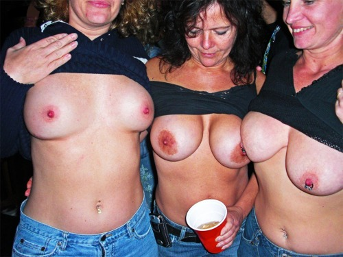 mother daughter exhibitionist tumblr