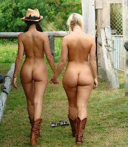 amish girls dressed and naked
