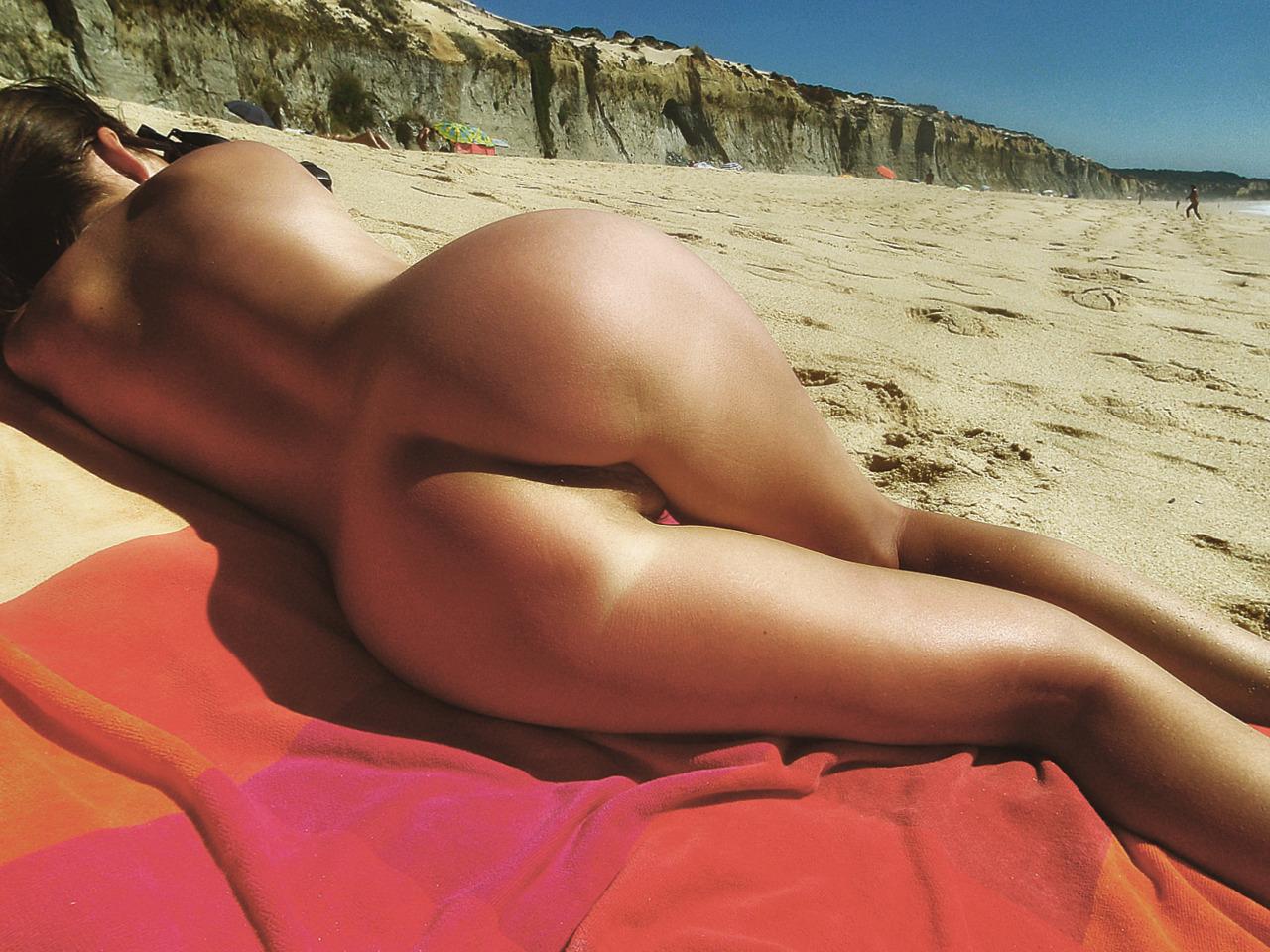 naked beach ass