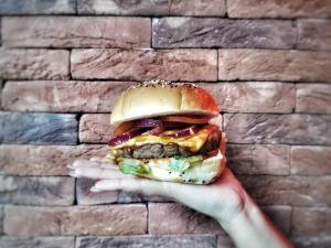 Johnny's Burger_24Halal_Halal_Burgers