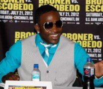 Boxer Adrien Broner Aplogizes To Fans After Posting A Naked Woman On His Instagram