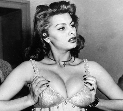 lynda carter breasts