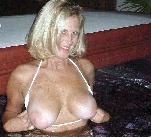 older mature nude women