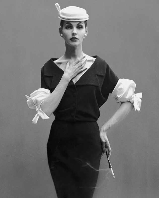 Georgia Hamilton, Paris studio, August 1953Photographer: Richard AvedonWool dress by Balenciaga