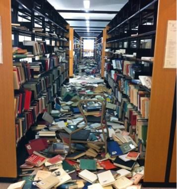 omgevallen-boekenkast
