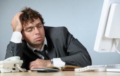 睡眠時間は十分なのに疲れがとれないって人は注意!