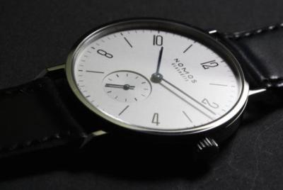 初めて高級時計(ノモス)を買った結果
