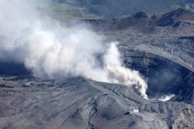 阿蘇山が本気出すと北海道しか住めないことが判明…阿蘇山、中岳で小規模な噴火