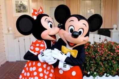 ミニーマウスさんとグーフィーの浮気現場<画像>そのときミッキーは・・・