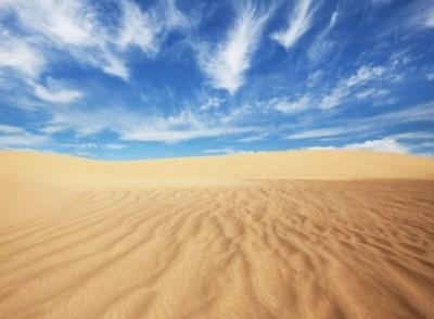 砂漠ではこんなキレイな星空が見えるらしい