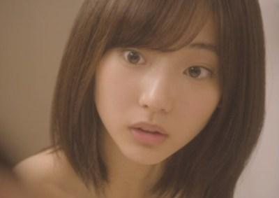 武田玲奈ちゃんのお風呂脱衣シーンのGIF画像 何度見てもたまらんwwwwwwwww