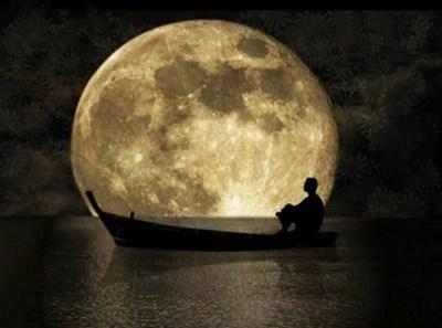 【画像】スーパームーン期待して見てみたけどただの月じゃねえか!!