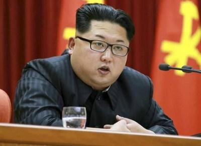 金正恩の前でメガネを拭いた北朝鮮幹部の末路 →