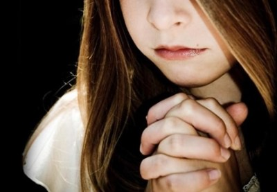 「触れると奇跡が起きる」黒いキリスト像 1000人を病院送りに