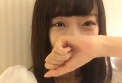 【悲報】アイドルさん不謹慎かつ不適切なポーズに批判殺到 謝罪へ…NGT48中井りか