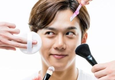 【お前らワンチャン】老けた男性が化粧した結果 →画像