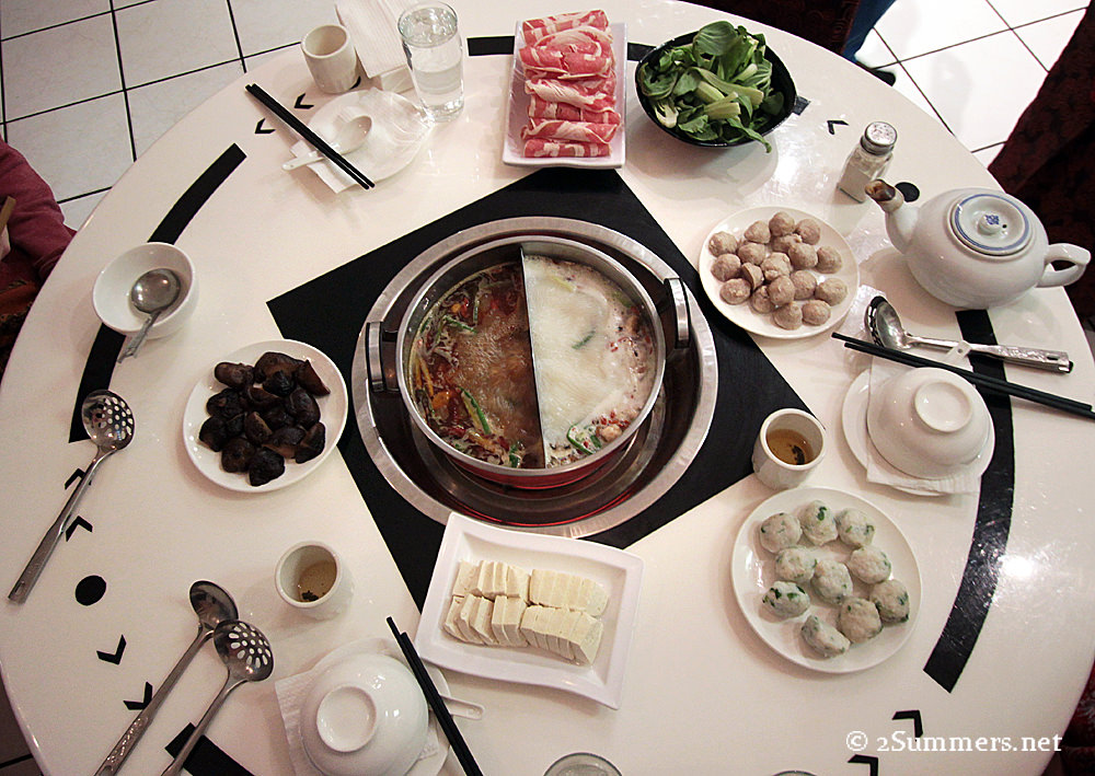 Hot pot table