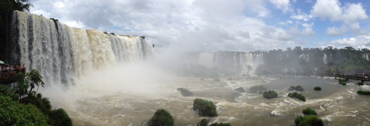 Iguazu Falls: Visiting the Argentinian and Brazilian Side
