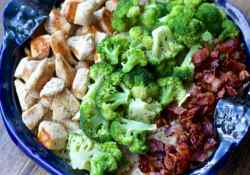 This Creamy Chicken Broccoli  Bacon Pasta Casserole is full of delicious flavours | 365 Days of Easy Recipes