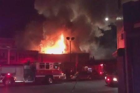 Flere omkommet i bygningsbrand