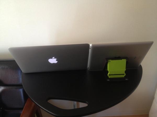 iPadとMacBook Air