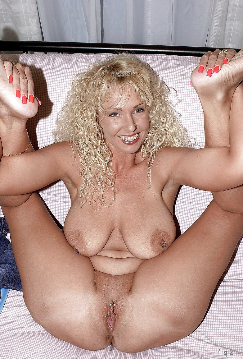 milf nude naked wet pussy