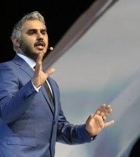 عرض الكوميديان بدر صالح في دبي خلال مهرجان دبي للكوميديا 2015