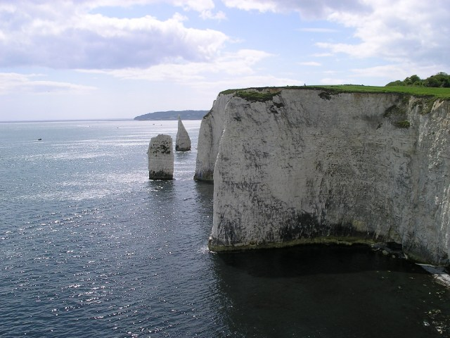 Old_Harry_rocks_cliff