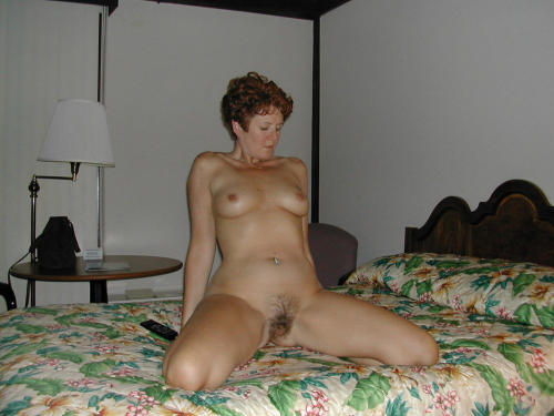 mom spread hairy pussy
