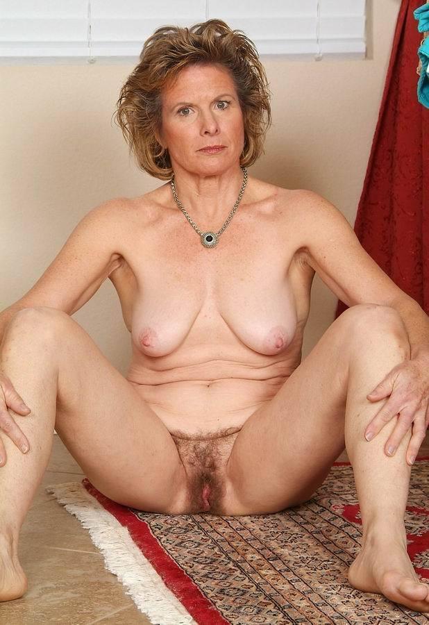 plain jane nude pussy