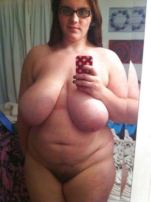 Chubby mature woman selfies