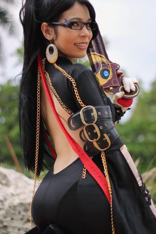 Sexy Bayonetta Cosplay