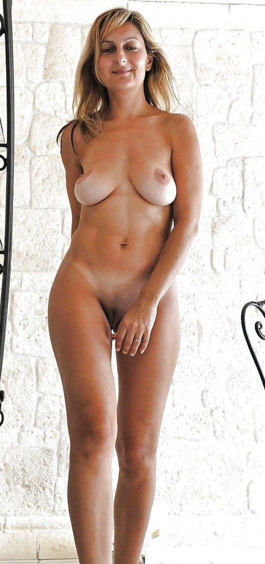 wife full frontal nude