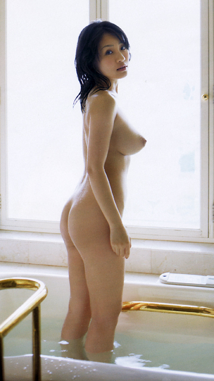 naked girls with upturned tits